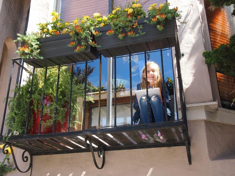 Protección de balcón para la seguridad de su hijo.